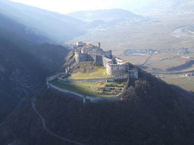 Castel Beseno Besenello Trento Lago di Garda