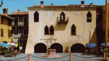 Palazzo dei Capitani Garda