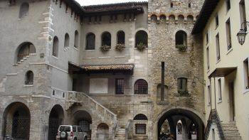 Porta Bruciata (Burnt gateway)